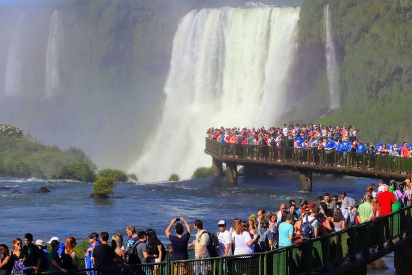 Parque recebeu mais de 150 mil turistas em fevereiro; visitação do Marco das 3 Fronteiras cresceu 42%